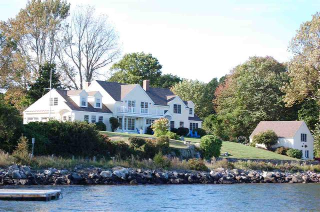 35 River Rd, New Castle, NH 03854