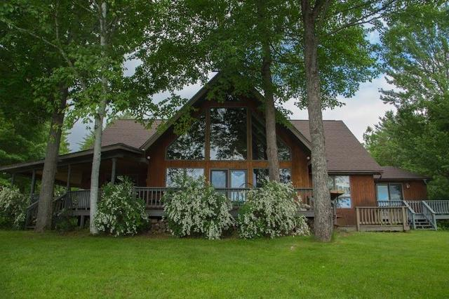 19 Whispering Pines Dr, Whitefield, NH 03598