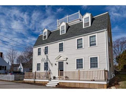 16 Wentworth Rd, New Castle, NH 03854