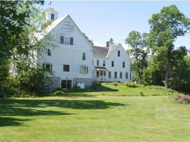 1734 E Main St, Center Conway, NH 03813