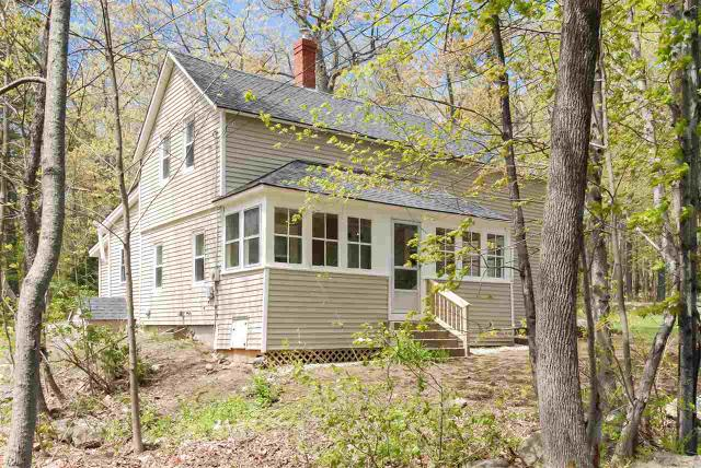 73 Cross St, Farmington, NH 03835