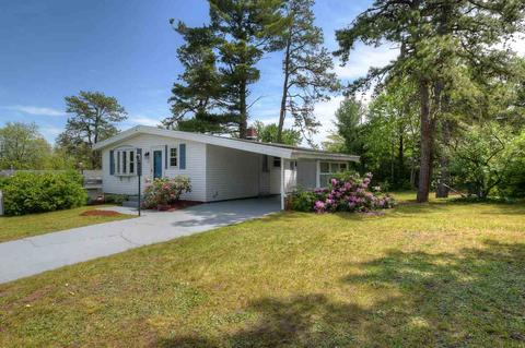 27 Chartrand St, Manchester, NH 03103