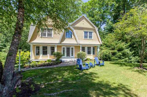 24 Windemere Ln, Exeter, NH 03833