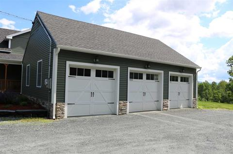 1727 Christian St, White River Junction, VT (33 Photos) MLS# 4679641    Movoto