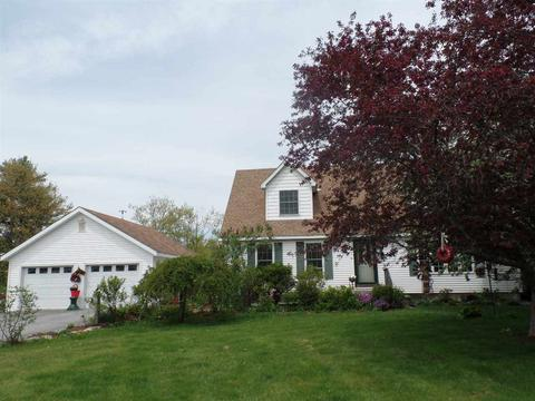 Admirable 102 Case Hill Rd Claremont Nh 03743 Mls 4695058 Movoto Com Home Remodeling Inspirations Gresiscottssportslandcom