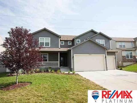 16008 Virginia Cir, Omaha, NE 68136