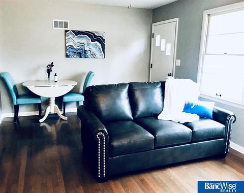 Marvelous 5801 Huntington Ave Lincoln Ne 68507 Bralicious Painted Fabric Chair Ideas Braliciousco