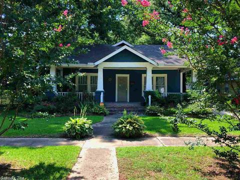 329 Oliver, Conway, AR 72034