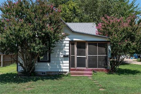 306 NW 3rd St, Bentonville, AR 72712