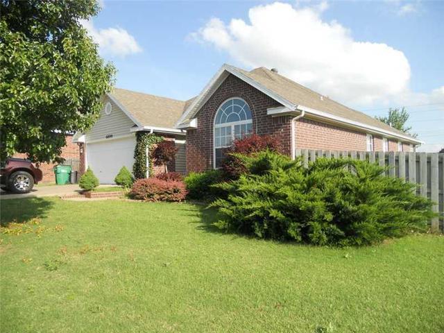 9718 Plentywood Rd E, Bentonville, AR 72712