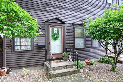 37 Spring St 37 Wethersfield Ct 06109 Mls 170300320 Movoto Com