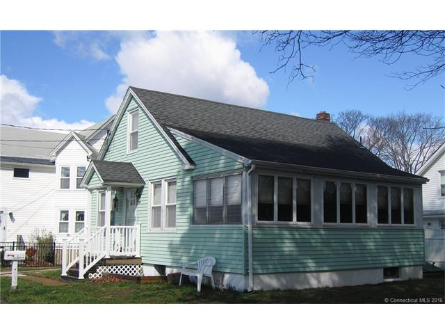 18 South St, Niantic, CT