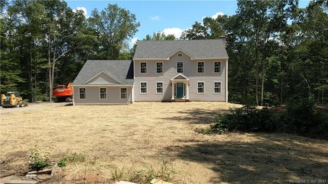 49 Old Green Rd, Sandy Hook, CT 06482