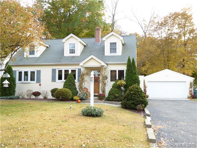 37 Poplar Dr, Cheshire, CT