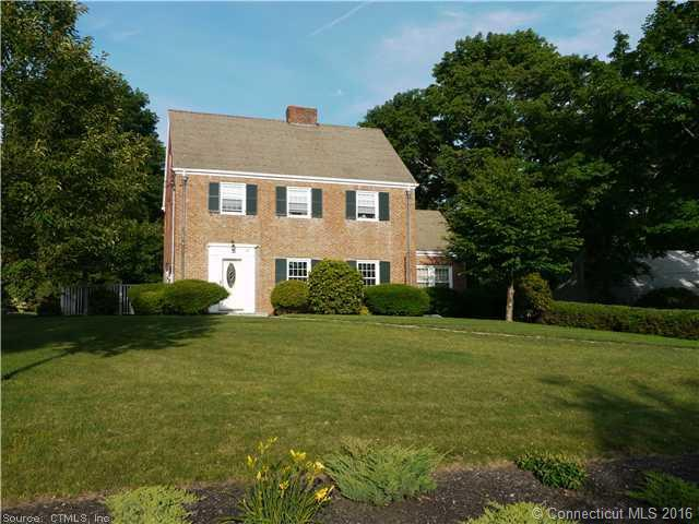 40 Woodland Ave, Bloomfield, CT