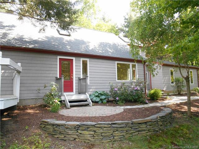 322 Old Farms Rd, Simsbury, CT
