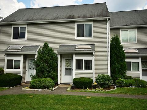 32 Hilltop Dr #32, Weatogue, CT 06089
