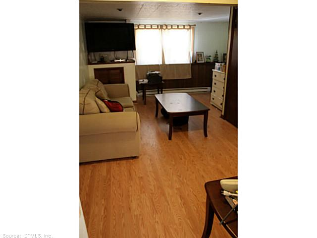 126 Hickory Hill Dr, Waterbury CT 06708
