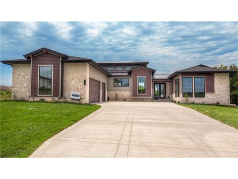 3801 Autumn Sage Cir, Norwalk, IA 50211