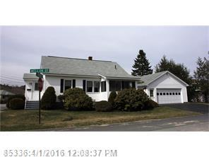 6 Tucker St, Lewiston ME 04240