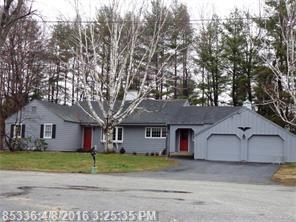 10 Sutton Pl, Lewiston ME 04240