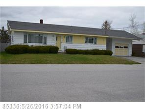 94 Summit Ave, Lewiston ME 04240