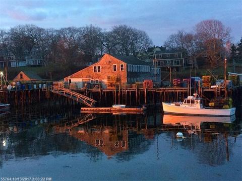 82 S Side RdNew Harbor, ME 04554