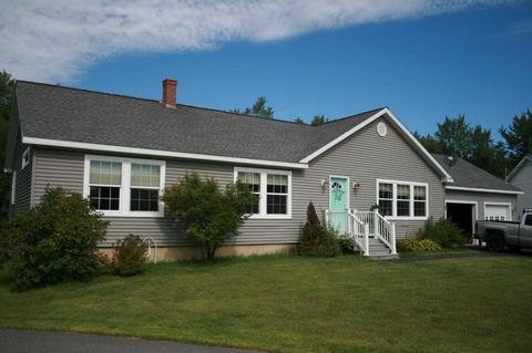 Awe Inspiring 146 Bangor Homes For Sale Bangor Me Real Estate Movoto Home Remodeling Inspirations Genioncuboardxyz