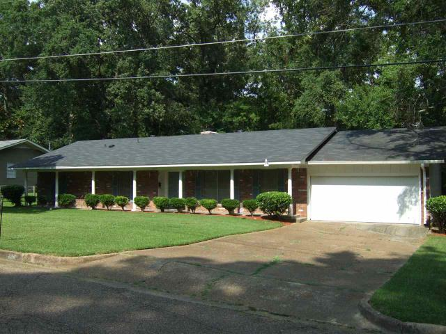642 homes for sale in jackson ms jackson real estate for Home builders in jackson ms area
