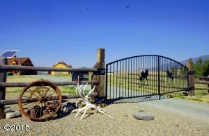 365 Wild West Dr, Eureka, MT
