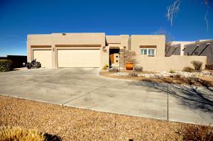 7301 Golden Glow Way, Albuquerque NM 87113