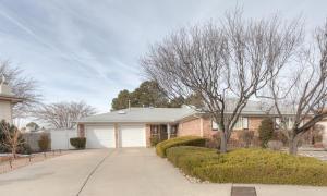 4515 Sherwood St, Albuquerque NM 87109