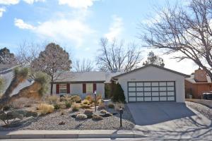 6516 Louise Pl, Albuquerque NM 87109