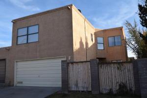 7236 Bobwhite Ln, Albuquerque NM 87109
