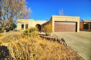 8801 Joli Ct, Albuquerque NM 87111