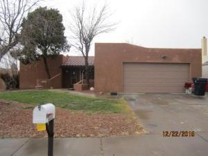 6333 Avenida La Costa, Albuquerque NM 87109