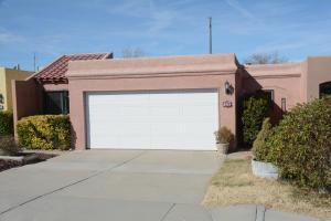 5929 Elmwood Dr, Albuquerque NM 87109