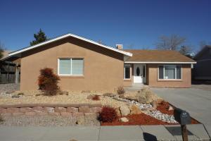 8217 Tina Dr, Albuquerque NM 87109