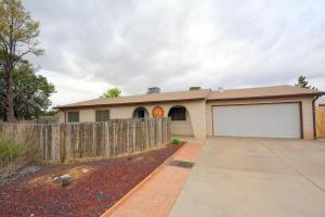 6205 Dungan, Albuquerque NM 87109