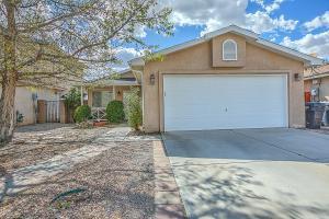 8901 Moonstone Dr, Albuquerque NM 87113