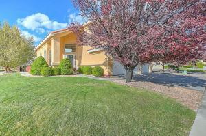 8211 Signal Ave, Albuquerque NM 87122