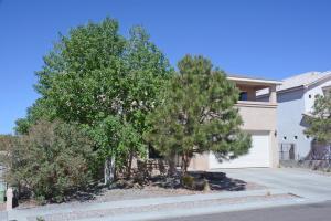 8405 Disney Pl, Albuquerque NM 87122