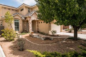 9032 Sunny Brook St, Albuquerque NM 87113
