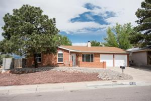 6401 Louise Pl, Albuquerque NM 87109