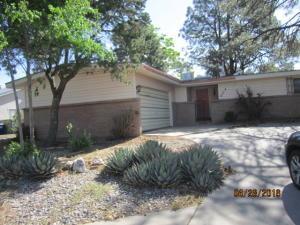 4514 Brookwood St, Albuquerque NM 87109