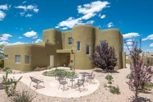 8951 Alameda Blvd, Albuquerque NM 87122