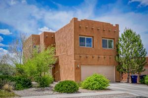 7715 Calle Comodo, Albuquerque NM 87113