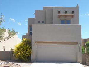 8836 Desert Fox Way, Albuquerque NM 87122