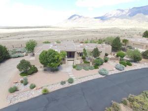 9621 Desert Mountain Rd, Albuquerque NM 87122