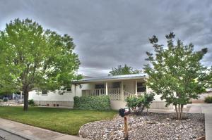 6612 Hallmark Ave, Albuquerque NM 87109